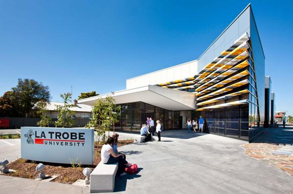 La-Trobe-University-Dai-hoc-hang-dau-tai-Uc